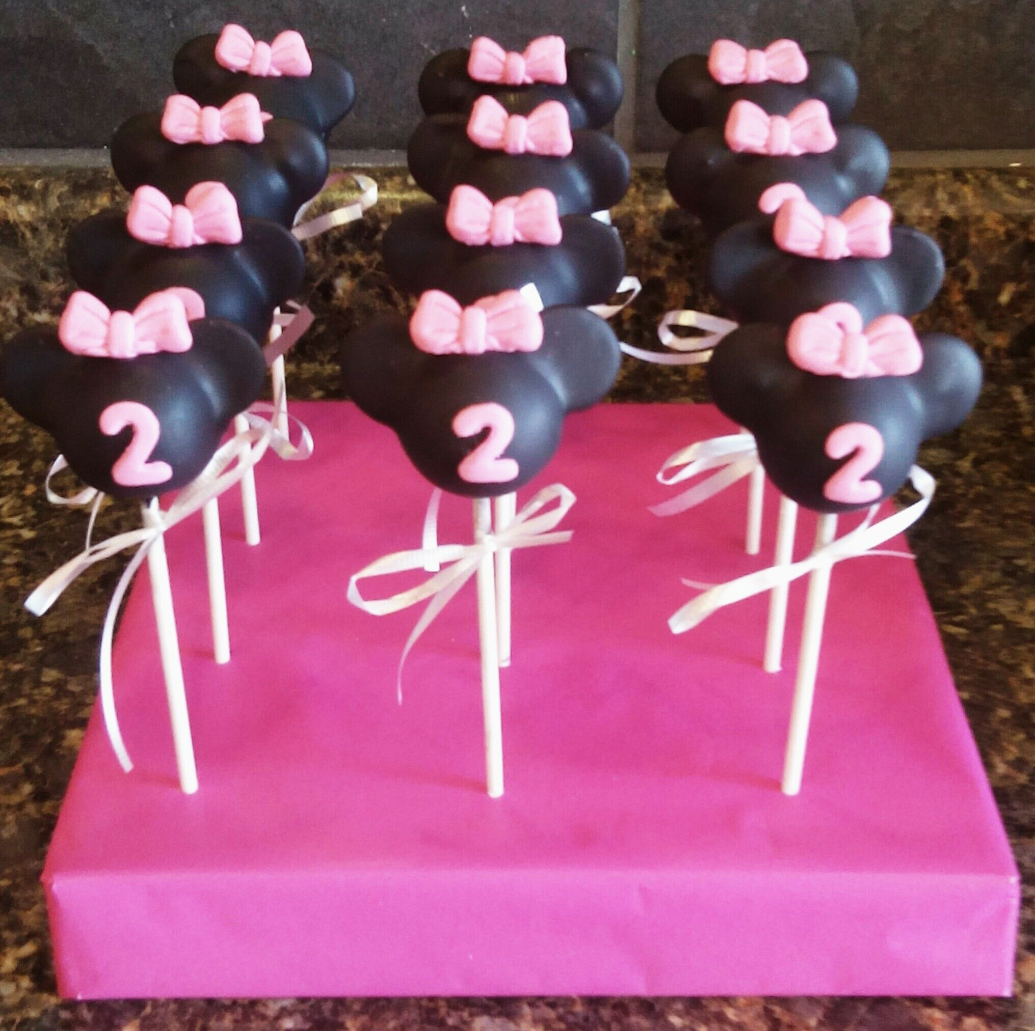 43+ Making minnie mouse cake pops inspirations