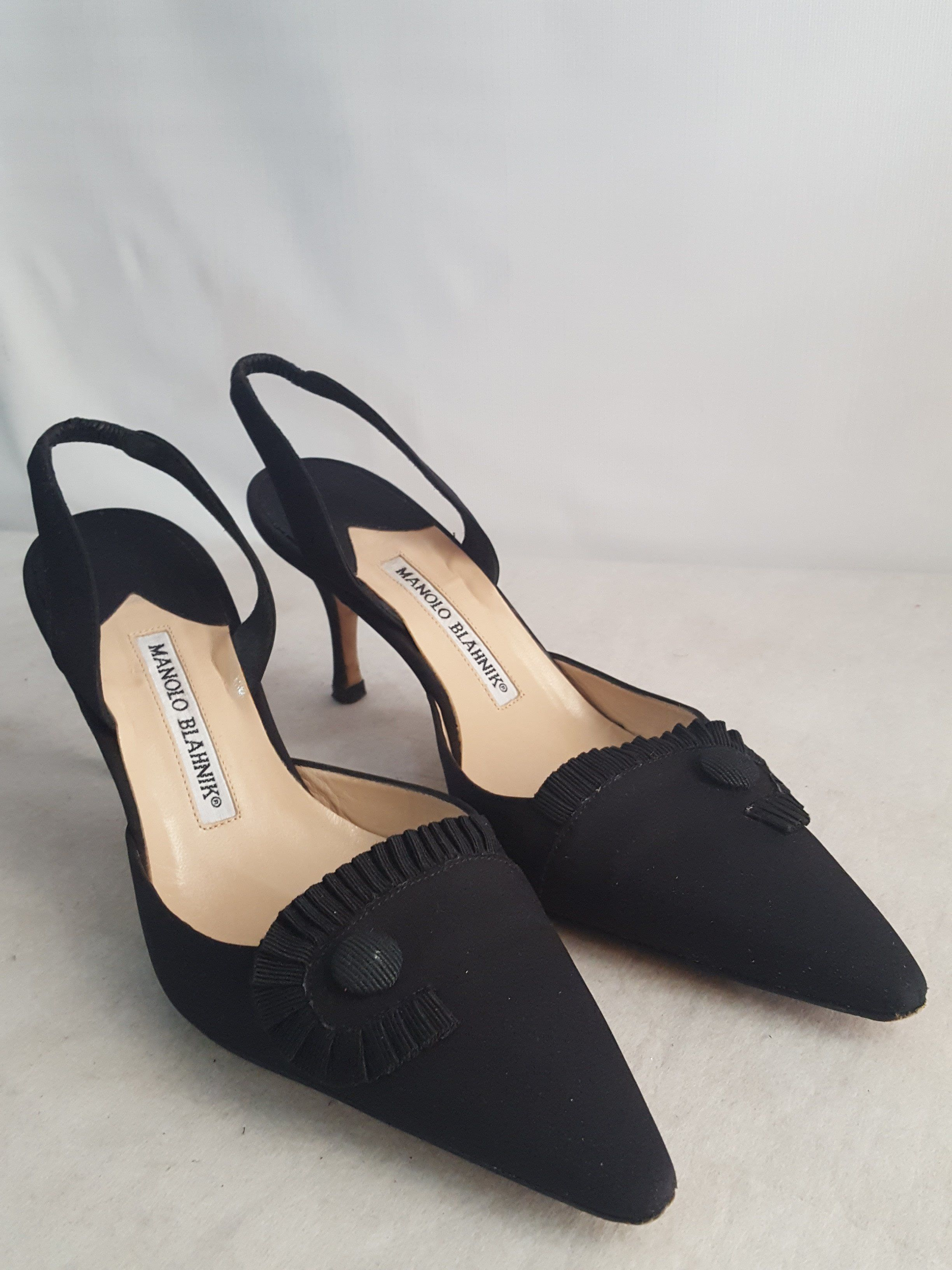 cheap sale exclusive real cheap online Manolo Blahnik Pointed-Toe Slingback Pumps new styles sale online shopping online cheap online discount explore AOqXSHi