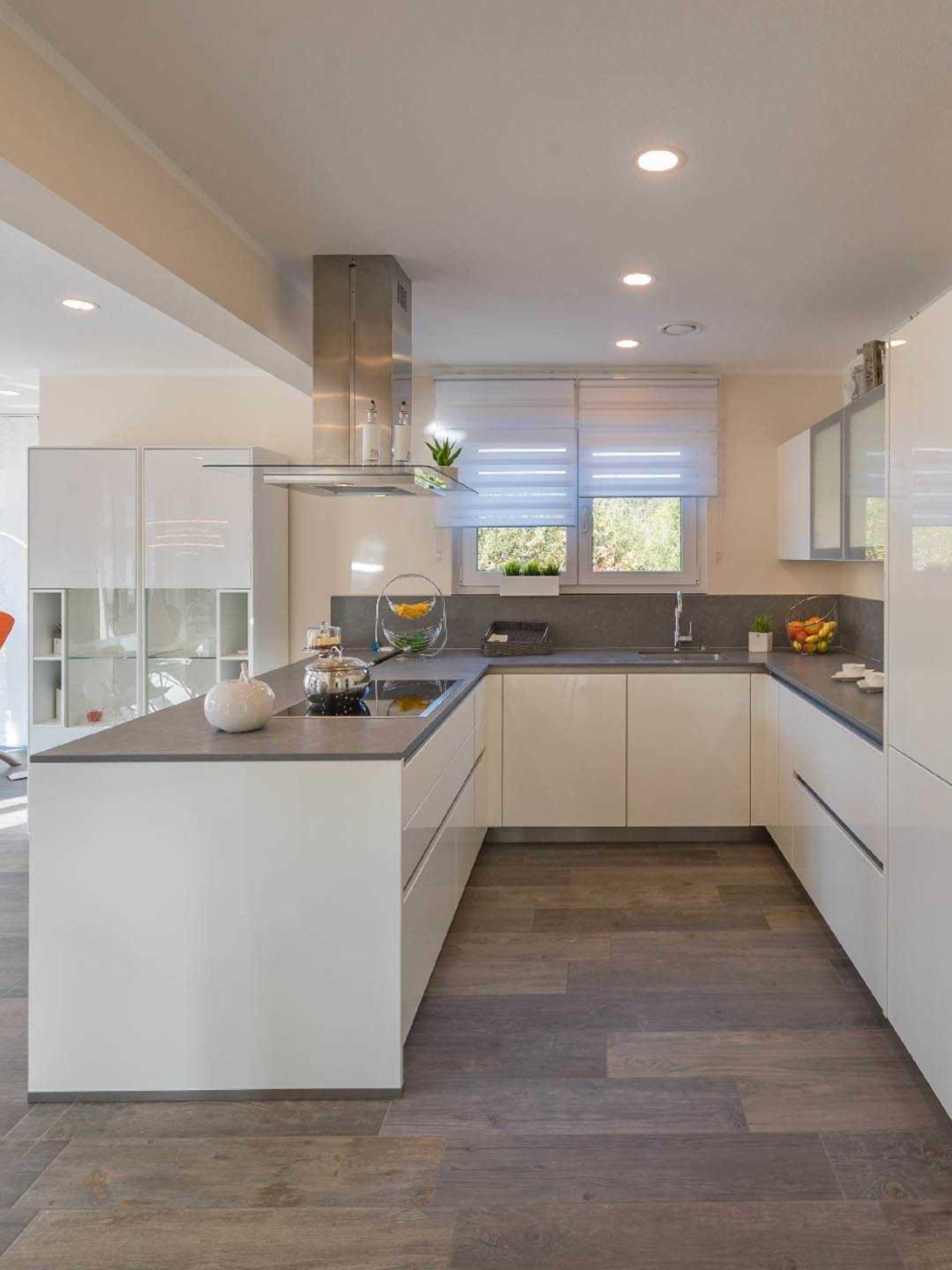 Moderne stilvolle Küche