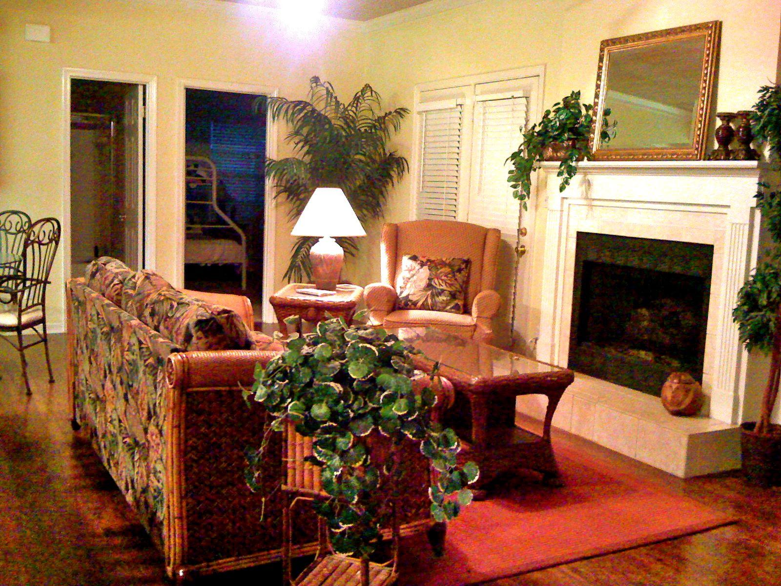 Destin vacation rental living room rental apartments
