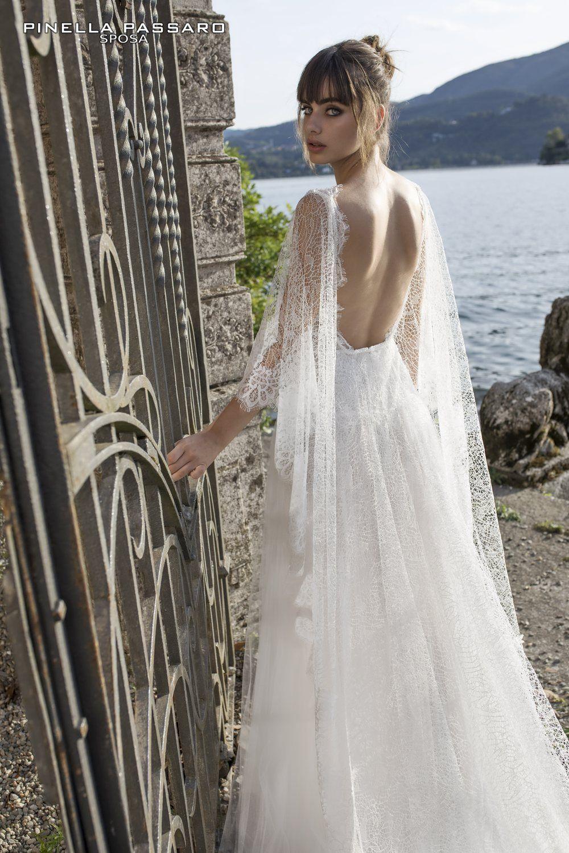 34f3b8cd2761 Gli abiti da sposa di Pinella Passaro sono disegnati per rendere speciale  il tuo matrimonio. Nei nostri atelier troverai abiti da sposa sartoriali  disegnati ...