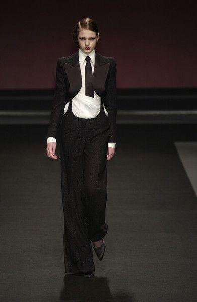 Jean Louis Scherrer at Couture Fall 2002 - Runway Photos