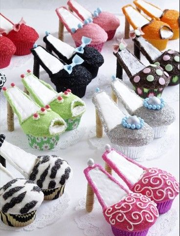 Shoe cupcakes...are you kidding me?  These are great.