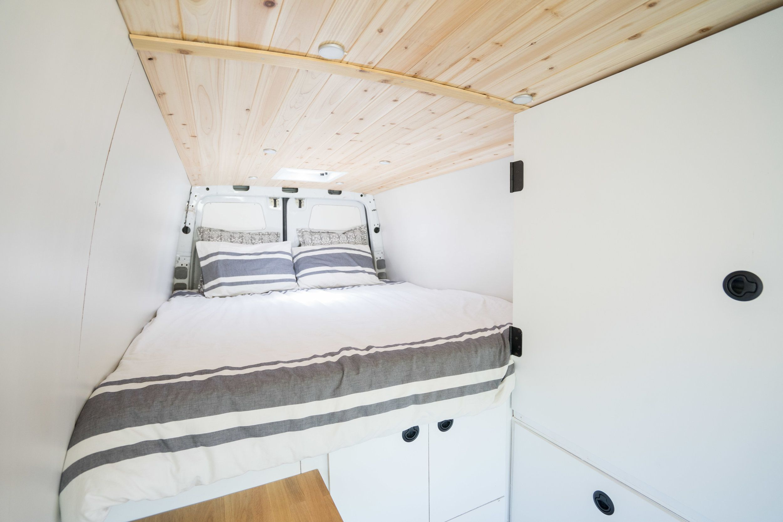2008 Dodge Sprinter 170 With Images Home Diy Travel