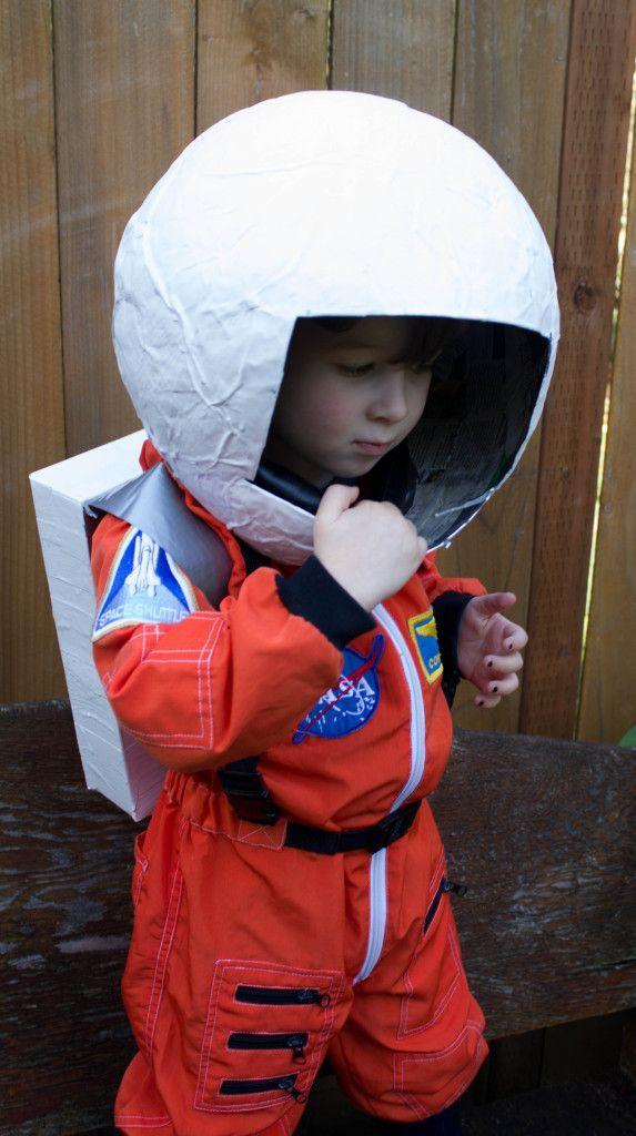 diy astronaut helmet kids pinterest halloween pinterest handarbeiten und kind. Black Bedroom Furniture Sets. Home Design Ideas