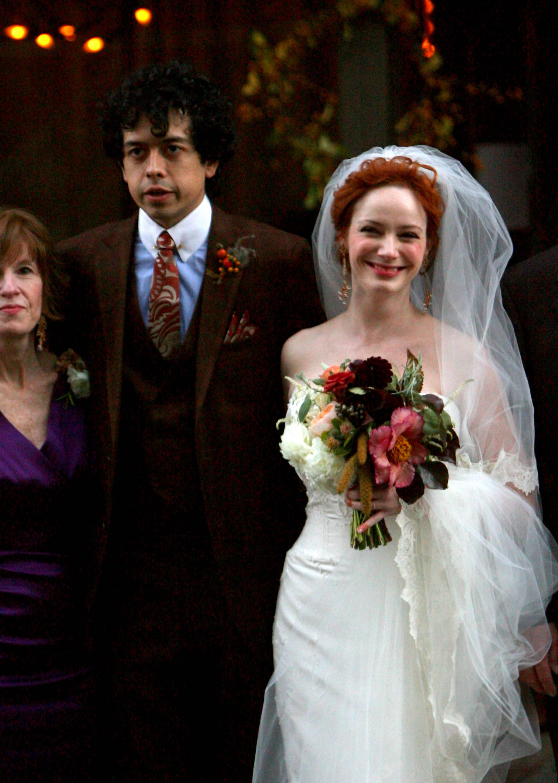 Christina-Hendricks-Geoffrey-Arends-Wedding-24of36.jpg (1923×2700 ...