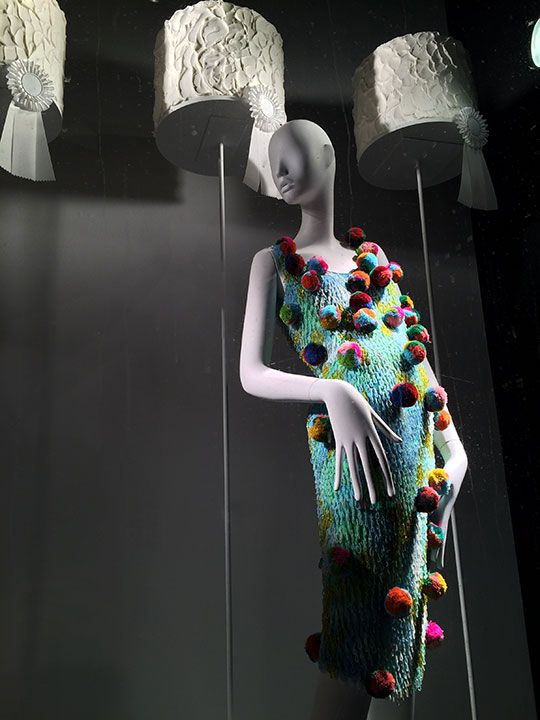Mizhattan - Sensible living with style: *SUNDAY WINDOW SHOPPING* Bergdorf Goodman (March '15)