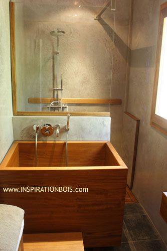 Espace de relaxation avec baignoire japonaise inspiration bois thermes et eau pinterest - Decoration salle de bain japonaise ...
