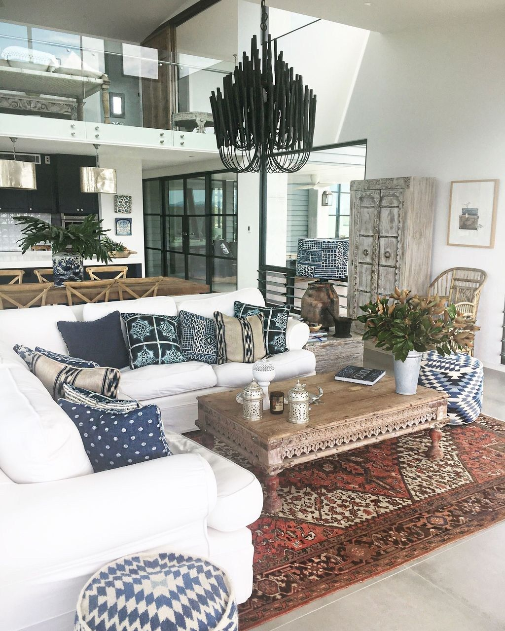 Beautiful Persian Rug Ideas For Living Room Decor 19 Rugs In Living Room Persian Rug Living Room Living Room Carpet #rugs #on #carpet #living #room