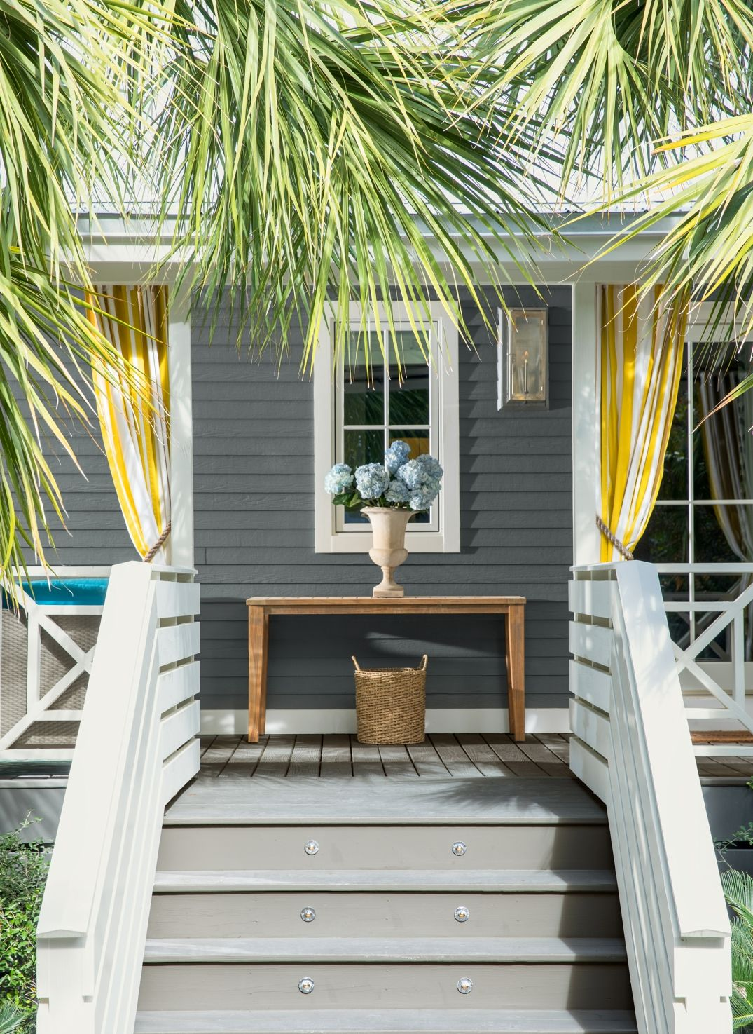 A Monochromatic Exterior Painted In Gray With Colors Like Benjamin Moore Whale 2134 40 And Distant Oc 68 Can Be Great Backdrop For Design