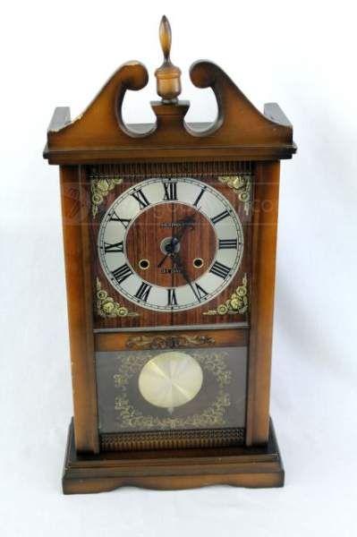 SEHWA 31 Day Mantel Clock w/Pendulum & Glass Door   ANTIQUES