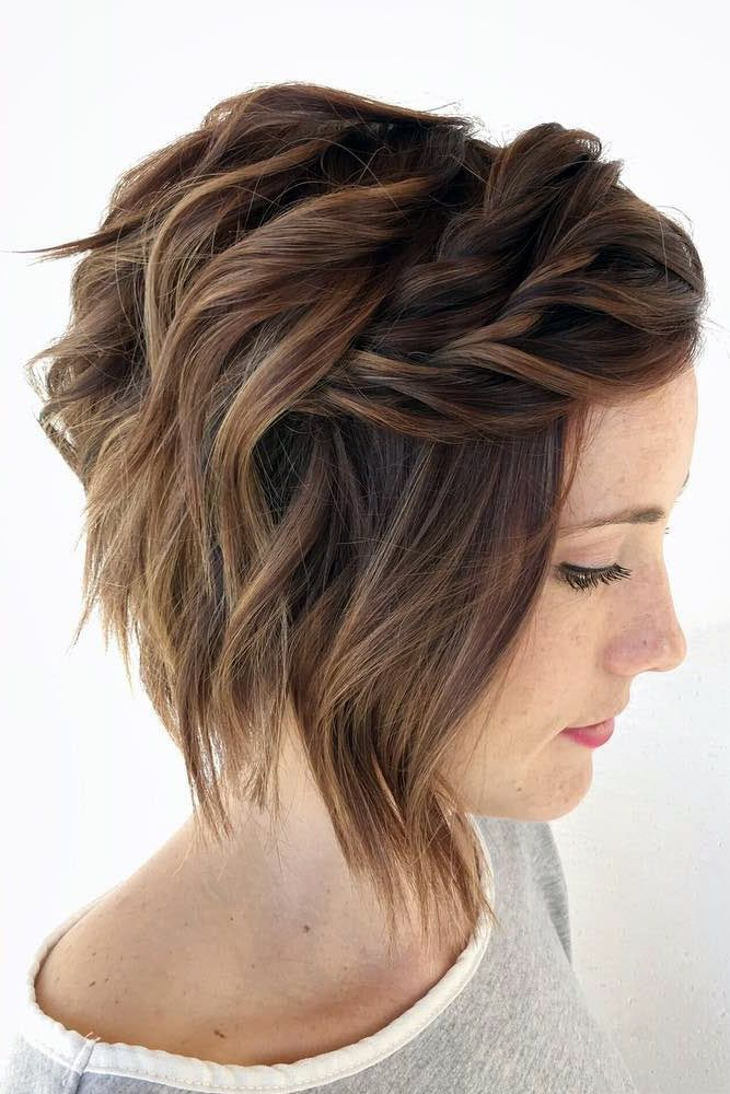 27 Short Hairstyles For A Christmas Party Short Hair Styles Short Wavy Hair Short Hair Updo