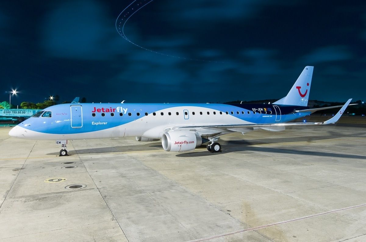 Jetairfly takes its first embraer e 190