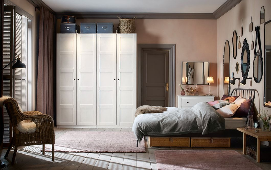 Camera da letto tradizionale con guardaroba bianchi – IKEA ...