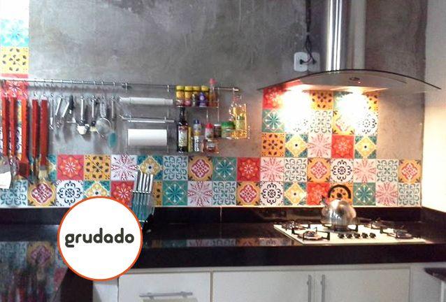 Adesivos de azulejo para renovar a cozinha grudado ideas for home pinterest adesivo de - Azulejos colorines ...