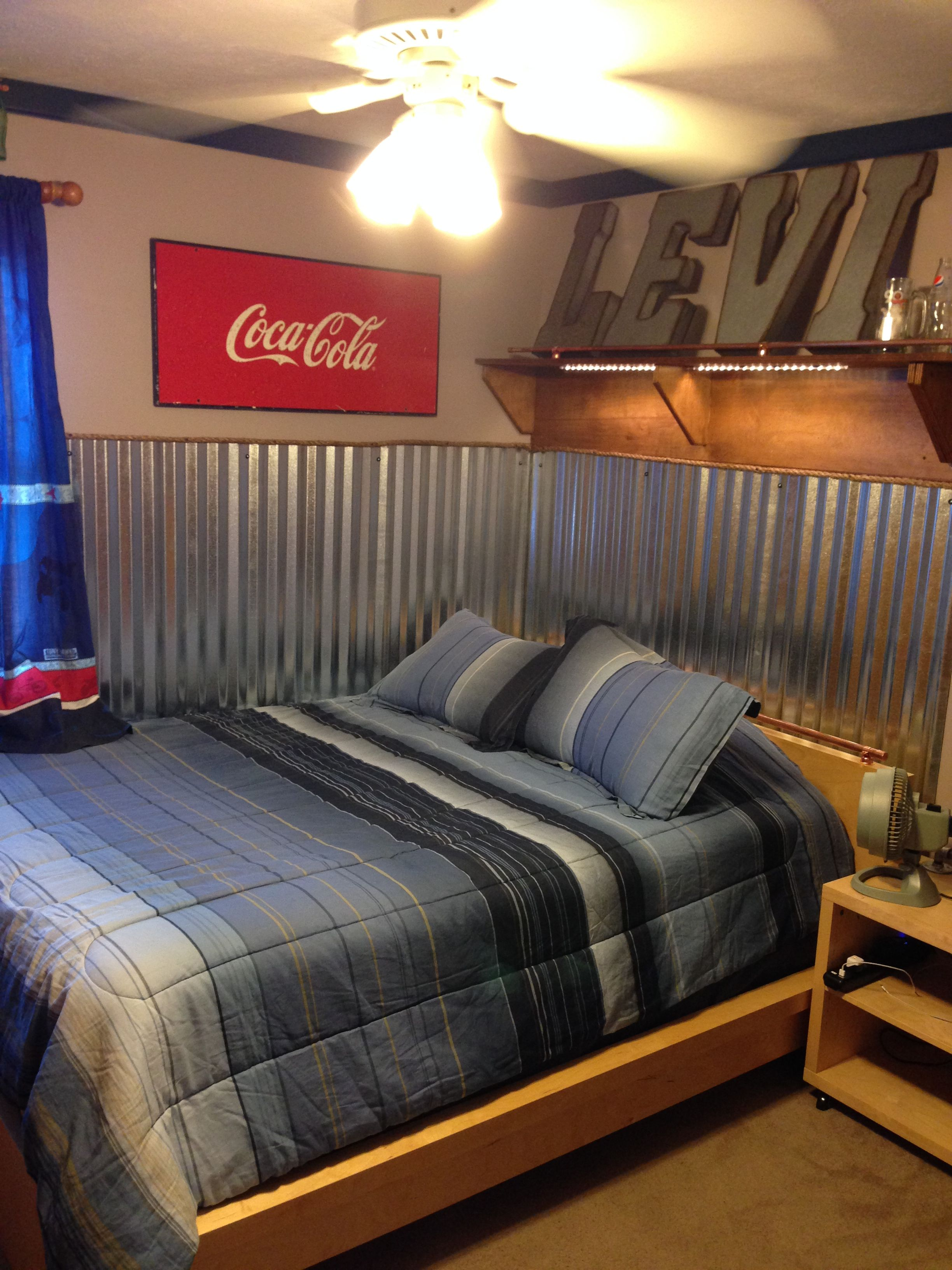 Remodelling my son s room industrial and coke dise o for Diseno decoracion espacios
