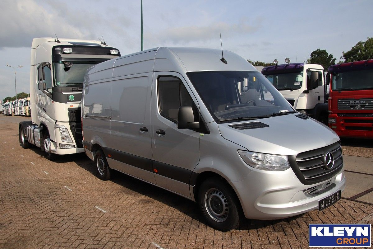 cilindro Psicologicamente traidor  Sorry, this one is already sold. But, if you are looking for a Sprinter (of  any generation), Kleyn Vans can probably help you.