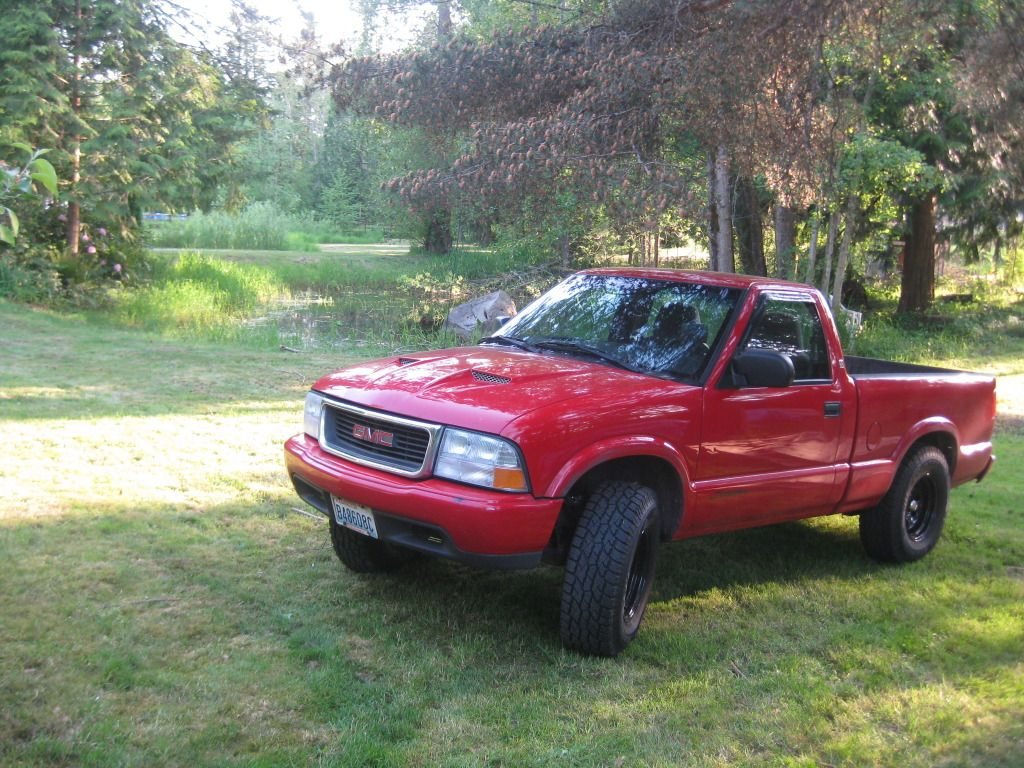my 99 gmc sonoma my first truck 5 speed 4 cylinder on 31x10 50 s love this truck cervinis hood installed in 06 just recently put on doestch lift  [ 1024 x 768 Pixel ]