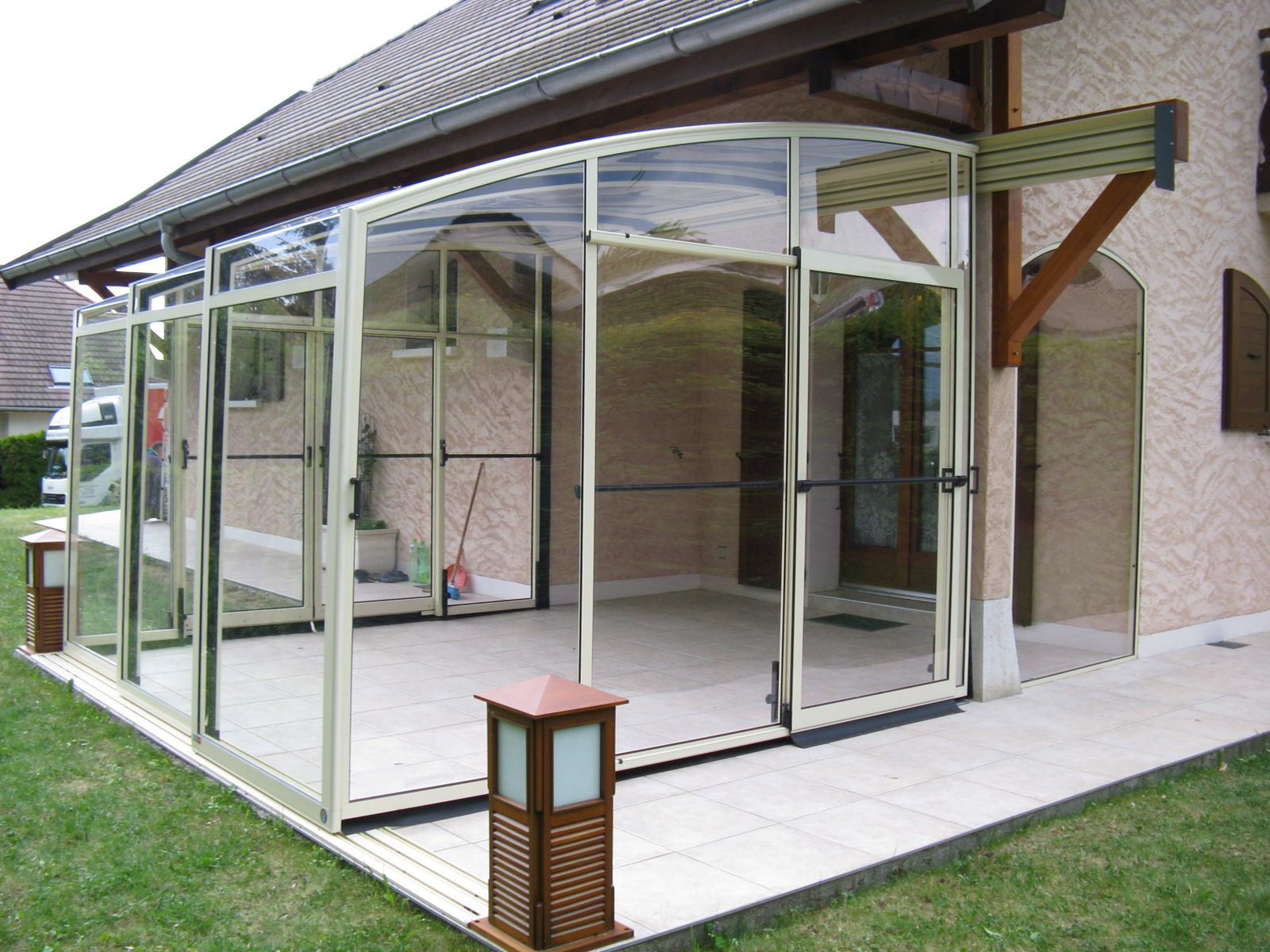 Patio cover CORSO this cover is retractable you can open and
