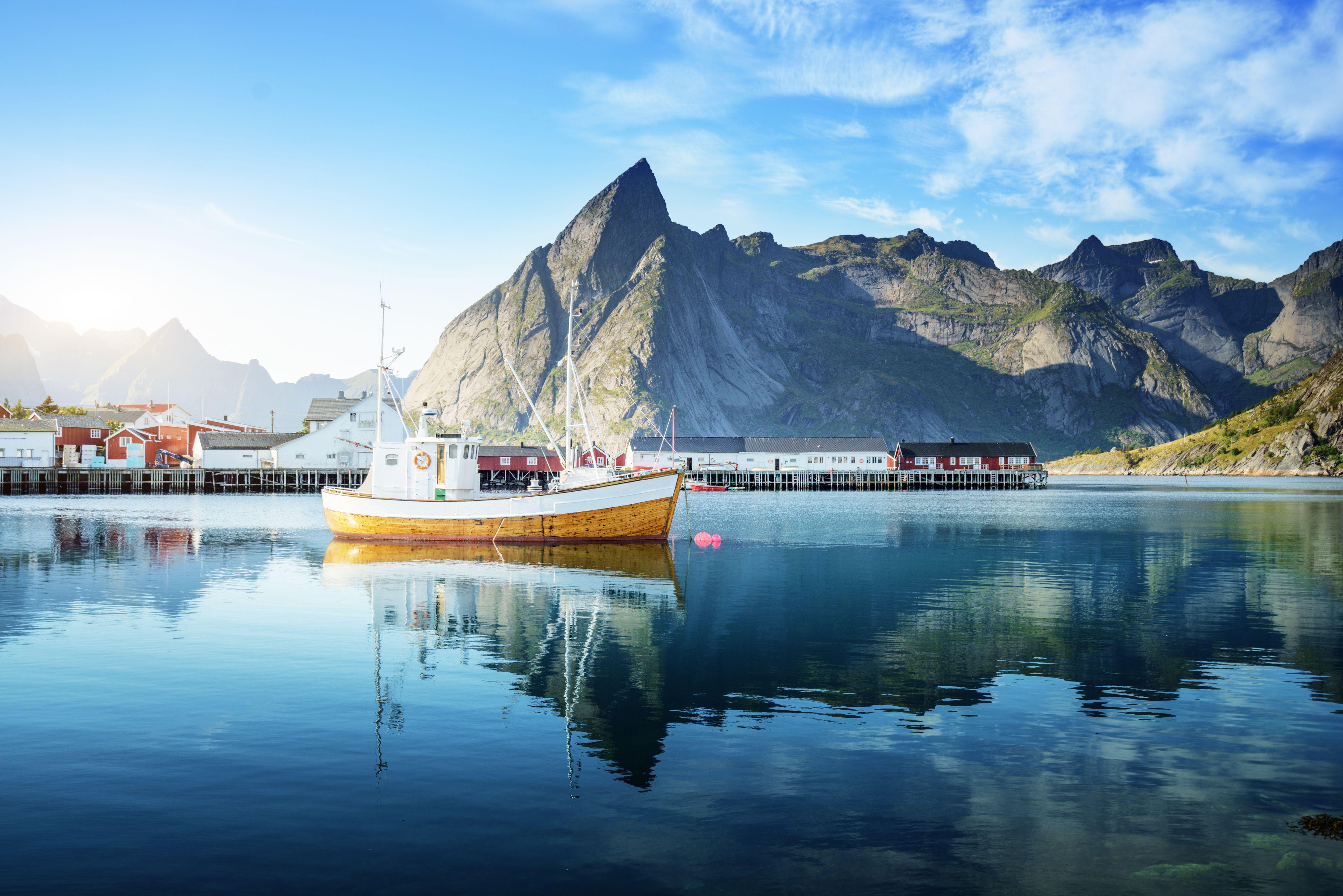 جميلة مطلة على بحيرة جبلية عالية الدقة صور Lofoten Lofoten Islands Norway Norway