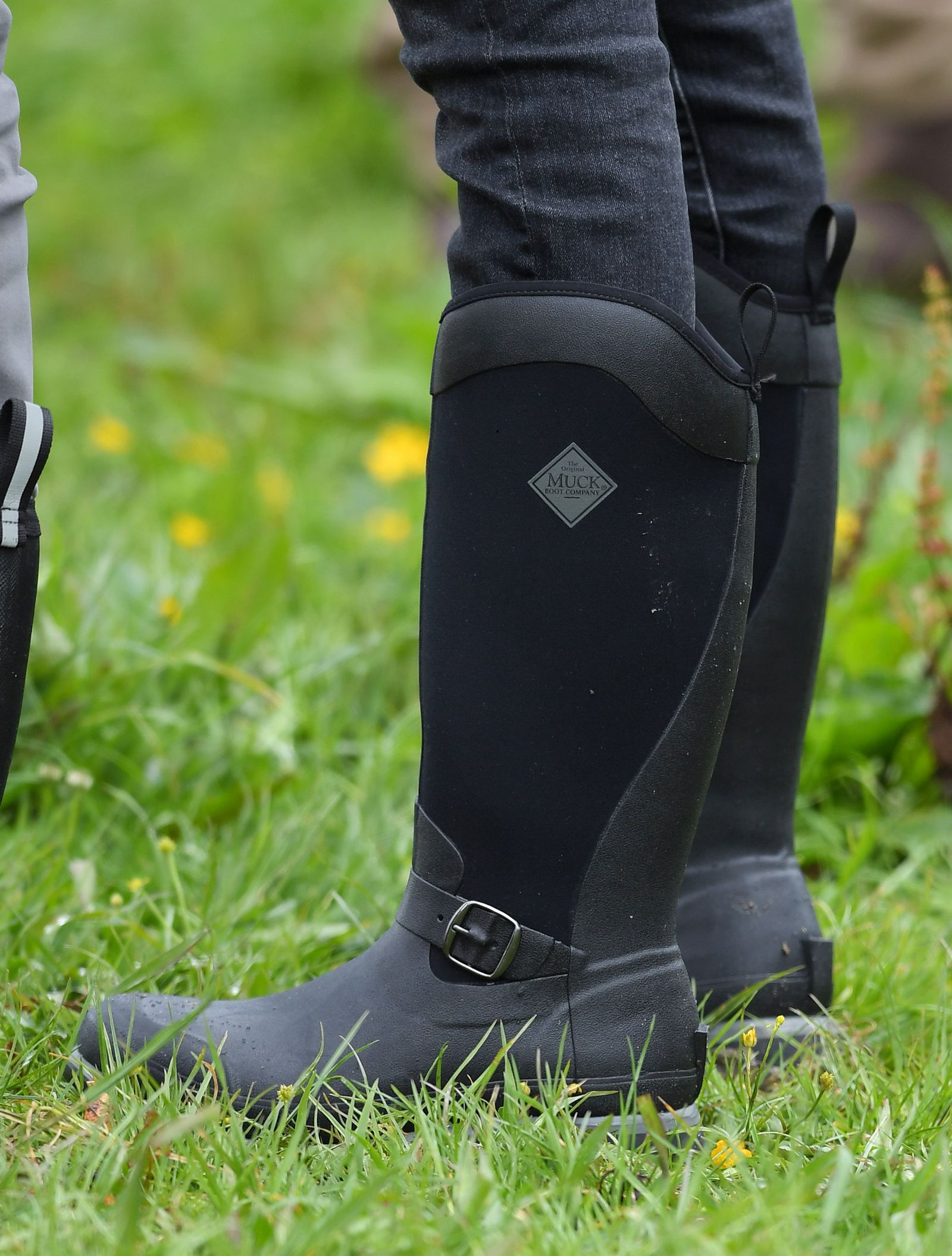 Meghan Markle S Muck Boots Will Make You Look Chic Trudging