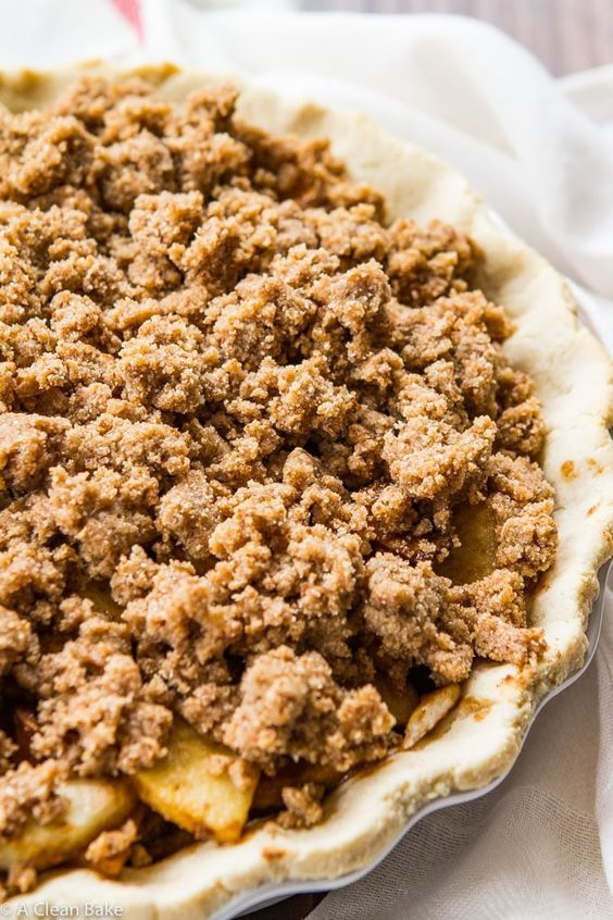 Paleo Apple Pie with Crumb Topping #applepie