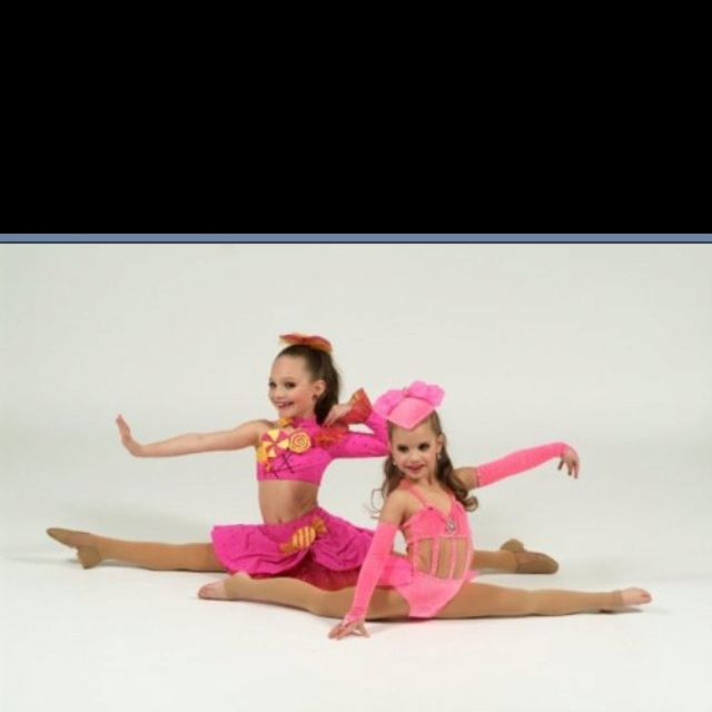 OMG who does not like Maddie and Mackenzie from dance moms