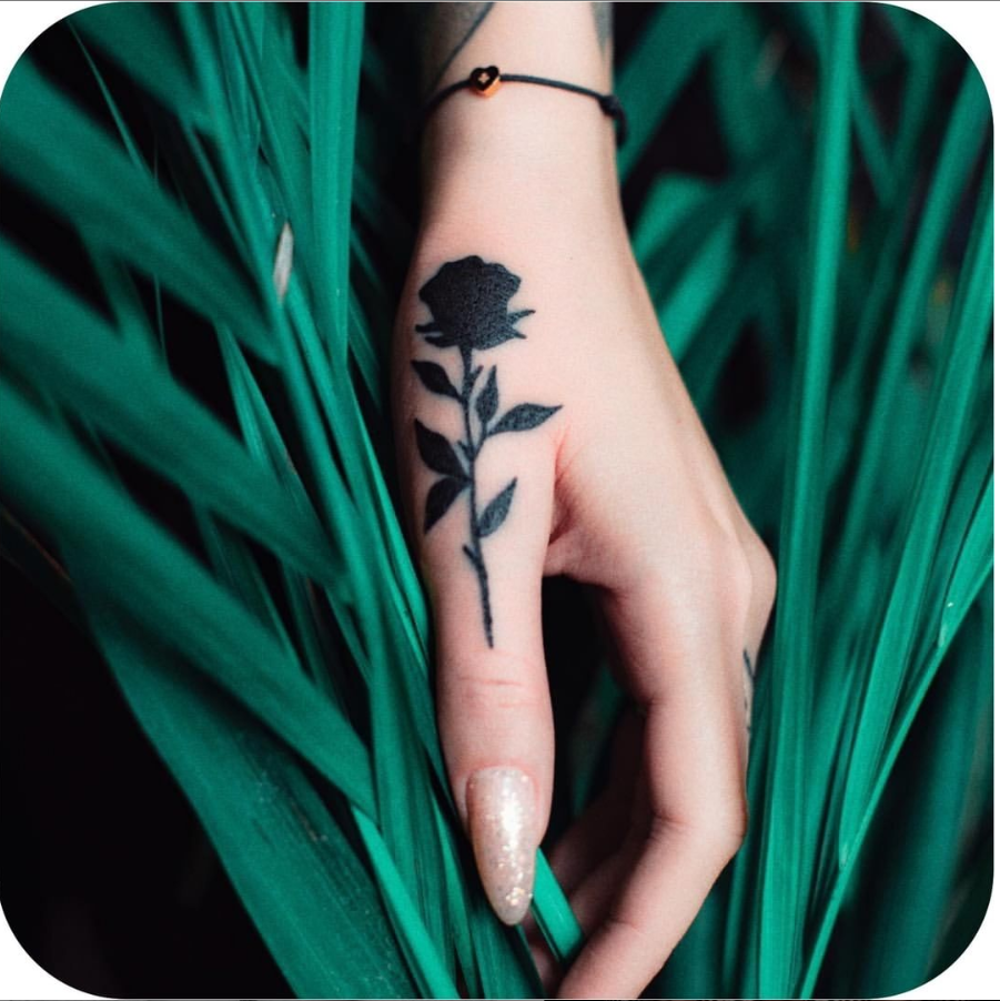 30 Cool & Pretty Hand Tattoo Design Ideas For Woman Page