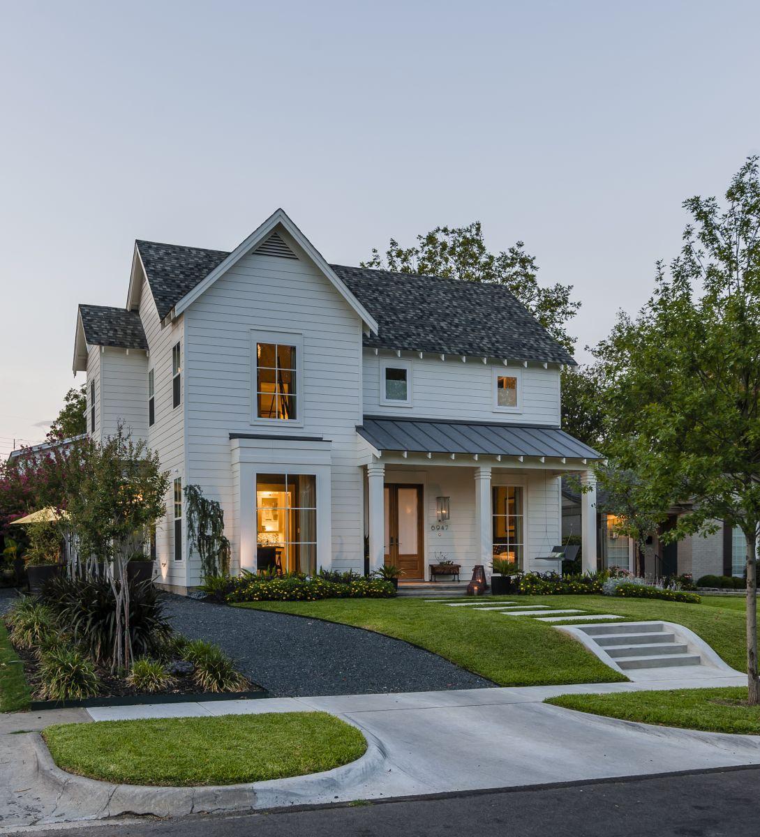 Home Exterior Farmhouse Design Ideas: Pin By Josh Bennett On Home Exterior