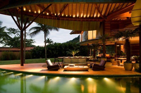 exotische Fassadenbeleuchtung-Küstenhaus