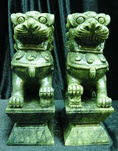 Asiatische Lions pair jade fu dogs foo dogs temple lions sculpture foo