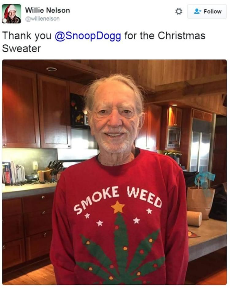 Willie Nelson showed off his Christmas gift from Snoop Dogg.