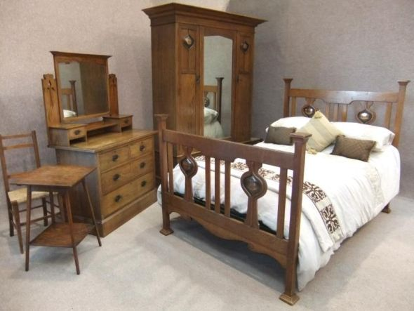 incredibly well-preserved bed furniture - in a style that could ...