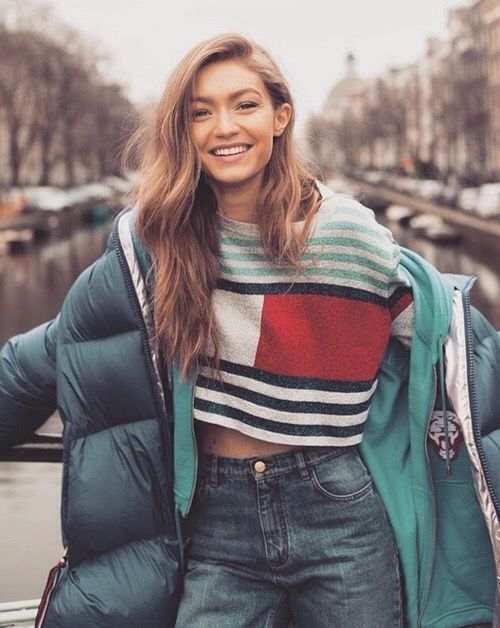 514718739305bb Amazing Gigi Hadid with beautiful Tommy Hilfiger T-Shirt | Style in ...