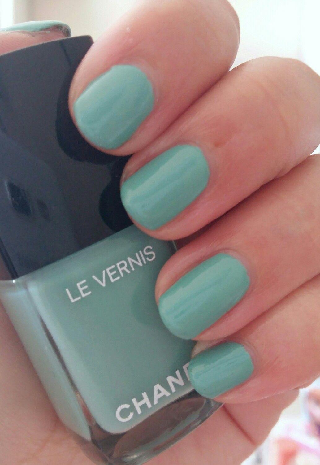Chanel 590 Verde Pastello Nail Polish Nails Beauty