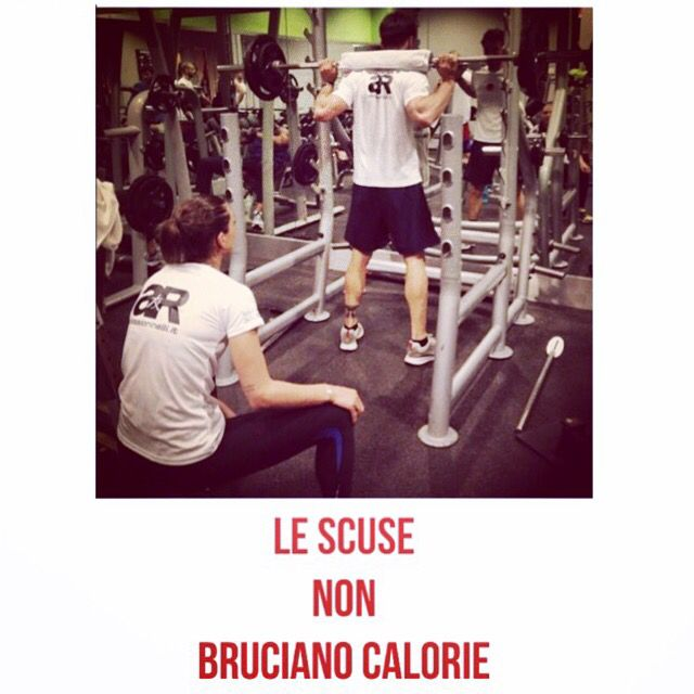 Le scuse non bruciano calorie!#fitnessmotivation #fitnessinspiration #fitness #determination #motivation #nevergiveup #motivation #inspiration #gym #alessiorinelli #fitnessmodel