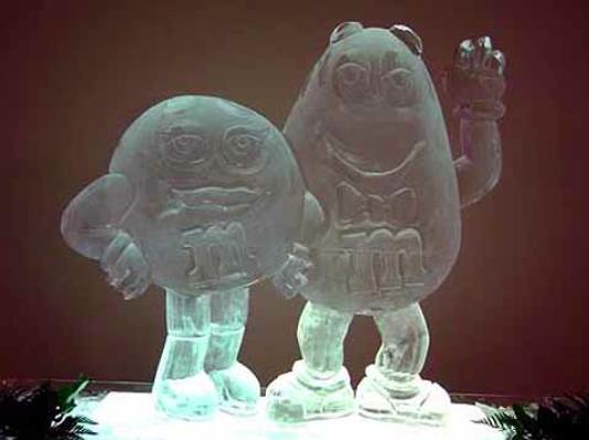 MM Couple at Wedding | Full Spectrum Ice Sculptures