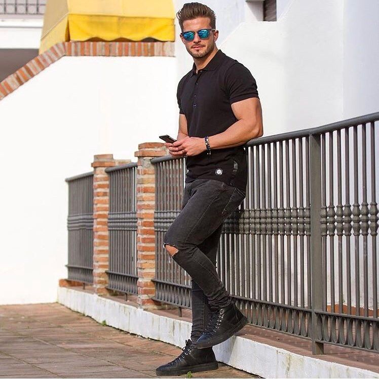 Black Fusion black Elegant with polo Disthene @antonio.pozo #men #menstyle #fashion #stylish #france #french #outfit #football #lifestyle #french #stylish #sarouel #polo #photographer #disthene #fusion #elegantfusion