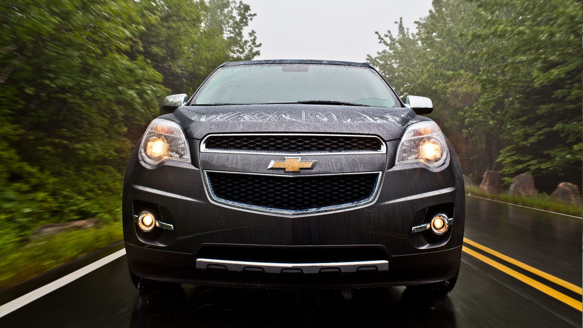 2013 Chevrolet Equinox Ltz Shown In Tungsten Metallic Features Chrome Accents And Uplevel Projector Style Headlamps Chevrolet Equinox Chevrolet Chevy Equinox