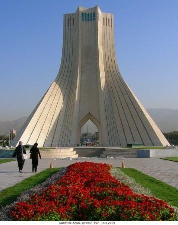 Teherán - památník Azadi
