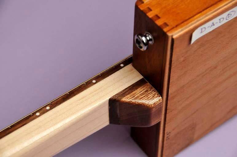 benicio cohiba toro 3 string cigar box guitar maple neck laminated sapele and maple head. Black Bedroom Furniture Sets. Home Design Ideas
