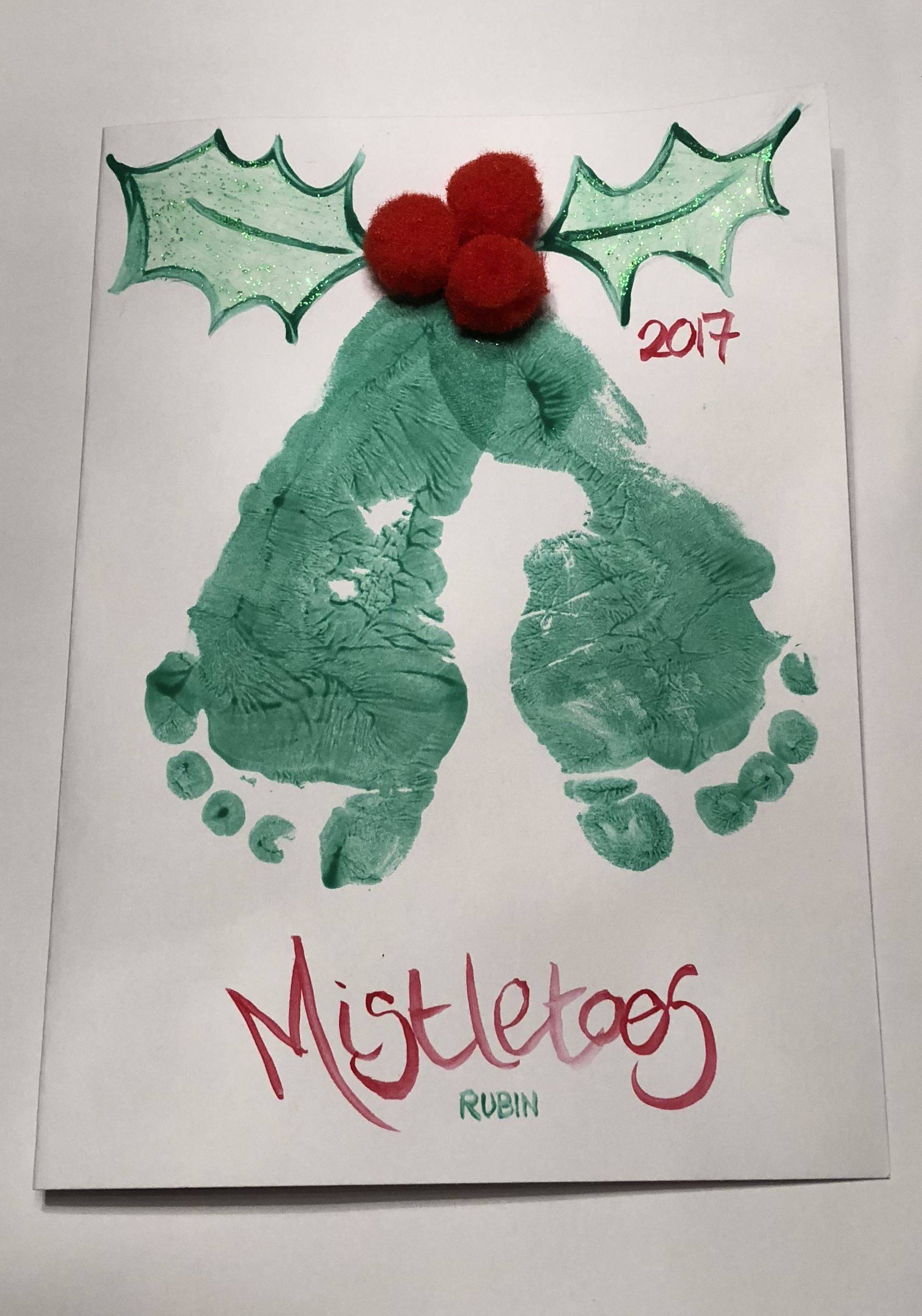 Daycare Crafts Making Christmas cards using