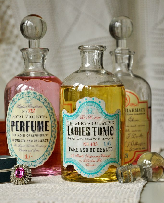 18 Vintage Perfume Bottle Images is part of Vintage bottles, Vintage perfume bottles, Perfume bottles, Antique perfume bottles, Vintage perfume, Apothecary bottles - What was at the time a little coffee shop is currently one of the biggest coffee and tea companies on earth