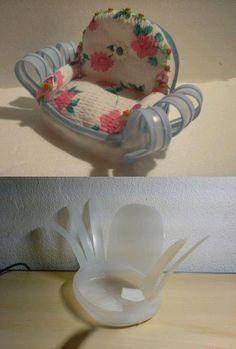 Poltrona Bottiglie Di Plastica.Poltrona In Plastica Riciclare Bottiglie Oggetti Riciclati