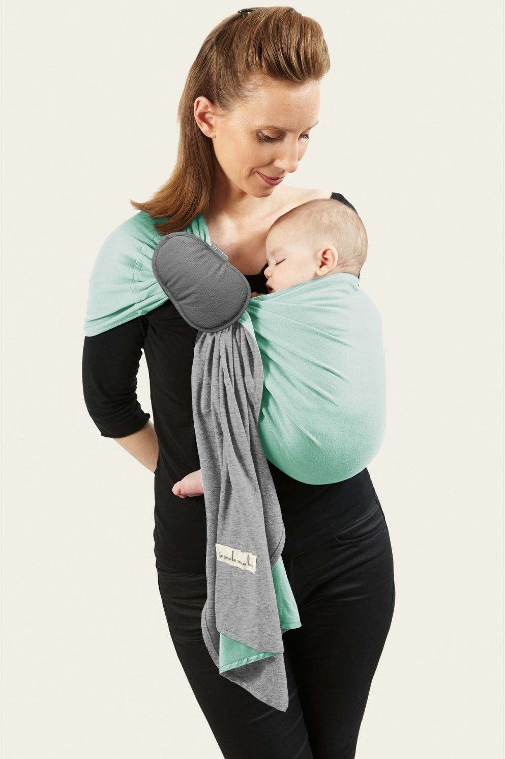 Petite écharpe sans noeud innovante, douce et confortable pour ce porte-bébé  sling crée ab5c696ccdf