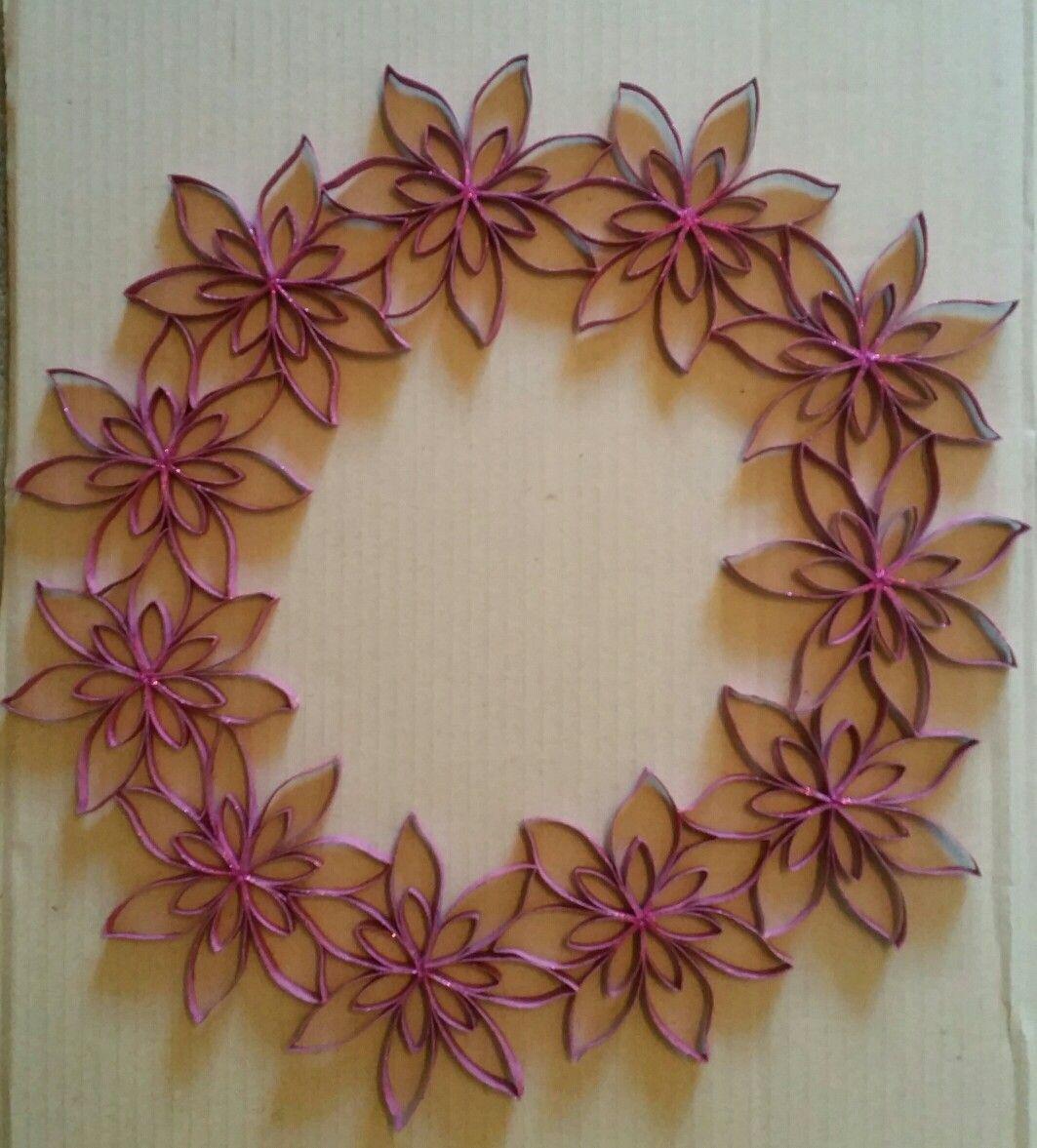 Tpr pink wreath rolled paper art toilet roll art - Decoracion con carton de papel higienico ...
