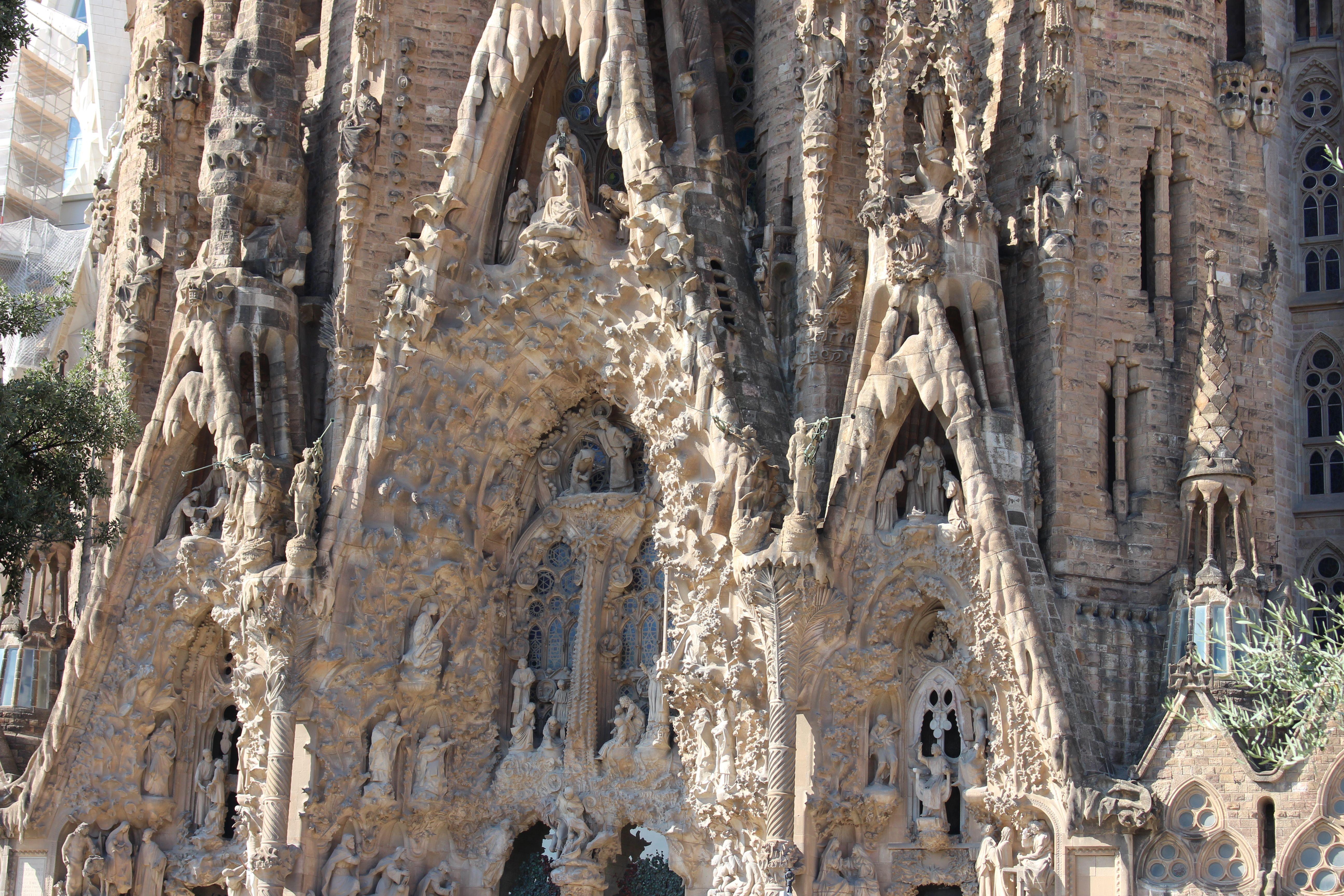 Sagrada Familia Antoni Gaudi Sagrada Familia Gaudi Cité Jardin