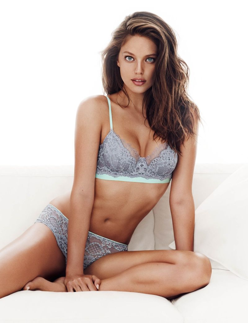 Emily DiDonato Strips Down for H&M Valentine's Day Lingerie ...