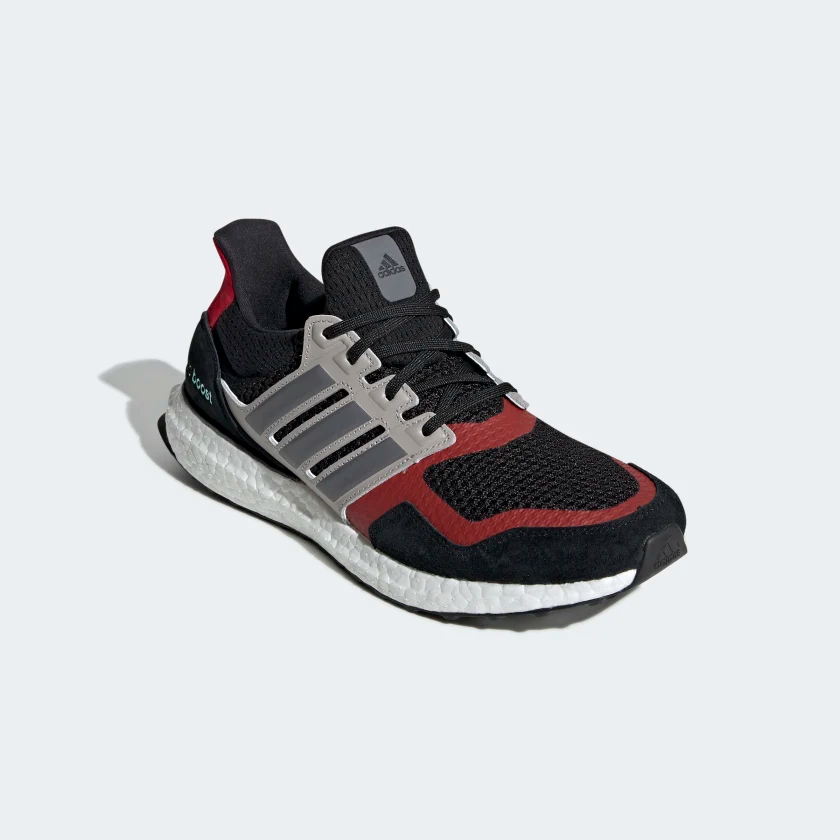 acoplador Tiza dispersión  Ultraboost S&L Shoes Core Black / Grey Four / Power Red EF0724 | Adidas  ultra boost, Ultra boost, Shoes