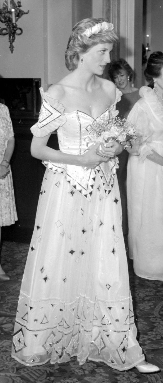 David Emanuel designed Diana dress expected to fetch £80,000   Diana ...